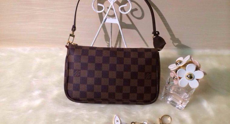 LOUIS VUITTON сумка Киев Украина клатч косметичка кросс боди LV N51985 женская