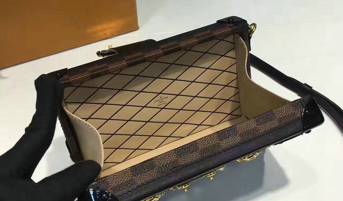 LOUIS VUITTON Киев Украина женский клатч сумка кросс боди косметичка LV
