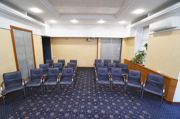 Конференц-зал (Тренінговий зал) в центрі Київа та кабінет погодинно