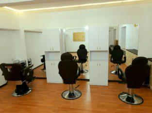 Аренда места, кресла парикмахерам, барберам, можно посменно