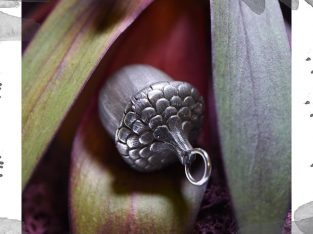 Срібний кулон «Жолудь»