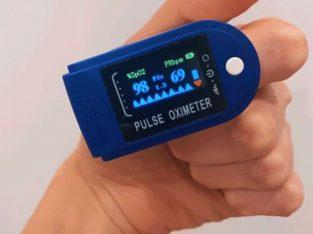 Пульсоксиметр. Пульсомер + Оксиметр на палец. Пульсометр + SpO2. Измеритель кислорода и пульса