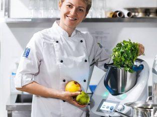 На работу в Польшу требуються повар и помощник на кухню