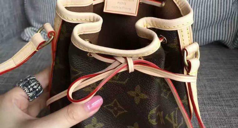 LOUIS VUITTON Киев Украина женский рюкзак сумка кросс боди косметичка LV