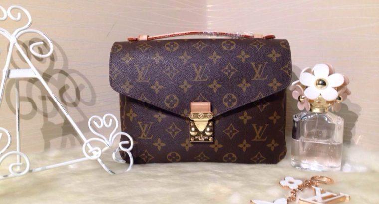 2c6be33afd1c LOUIS VUITTON сумка Киев Украина клатч портфель кросс боди LV M40780  монограм