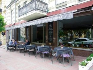 Фасадное помещение с витринами в центре Киева