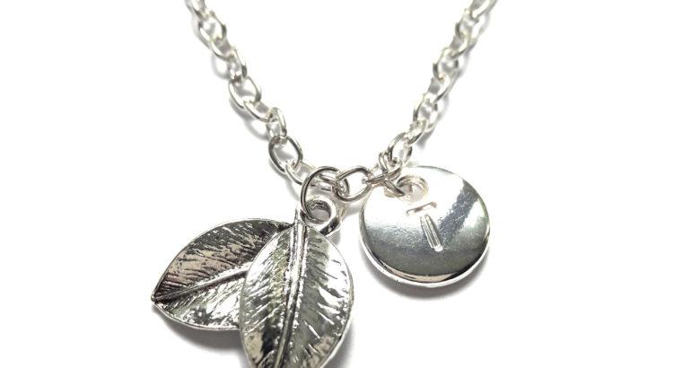 Ожерелье колье намисто подвеска два листочка цепочка кулон медальон личная буква амулет оберег для подарка серебро ланцюжок